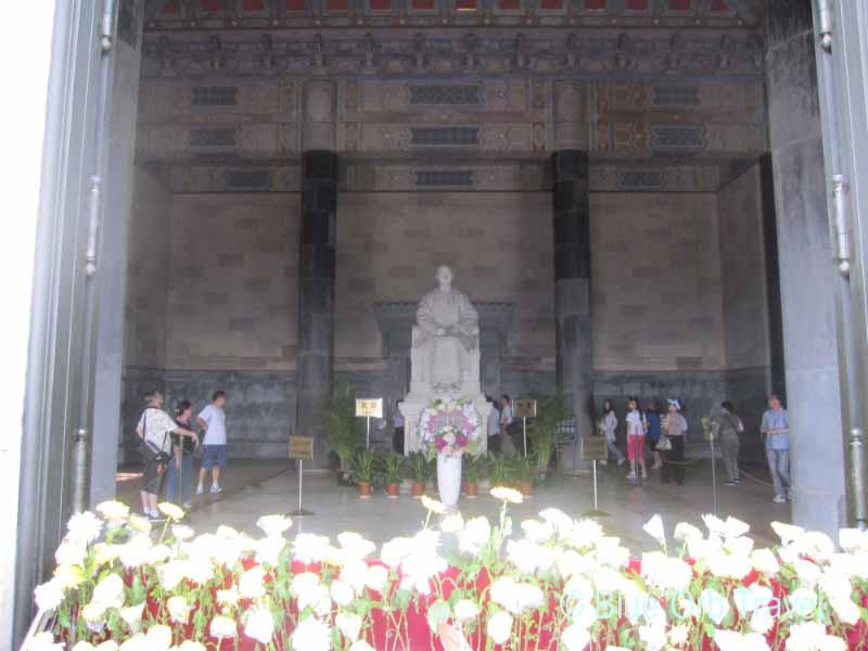 Statue of Dr. Sun Yatsen