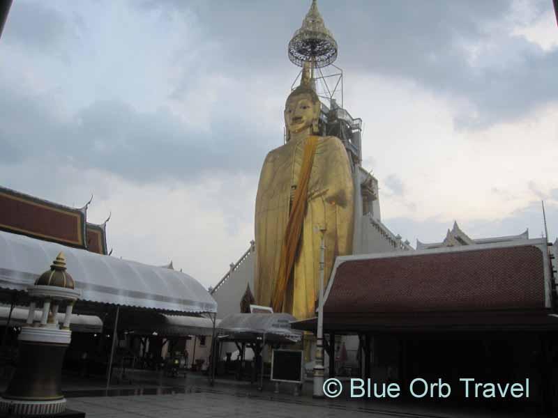 The Standing Buddha at Wat Intharawihan, Bangkok